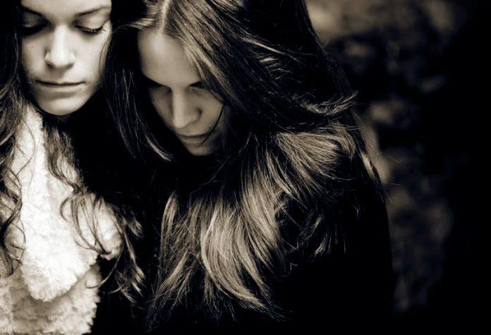 Prázdne duše - dve sestry